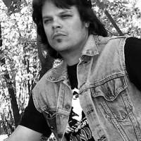 Theo (bass) 2009